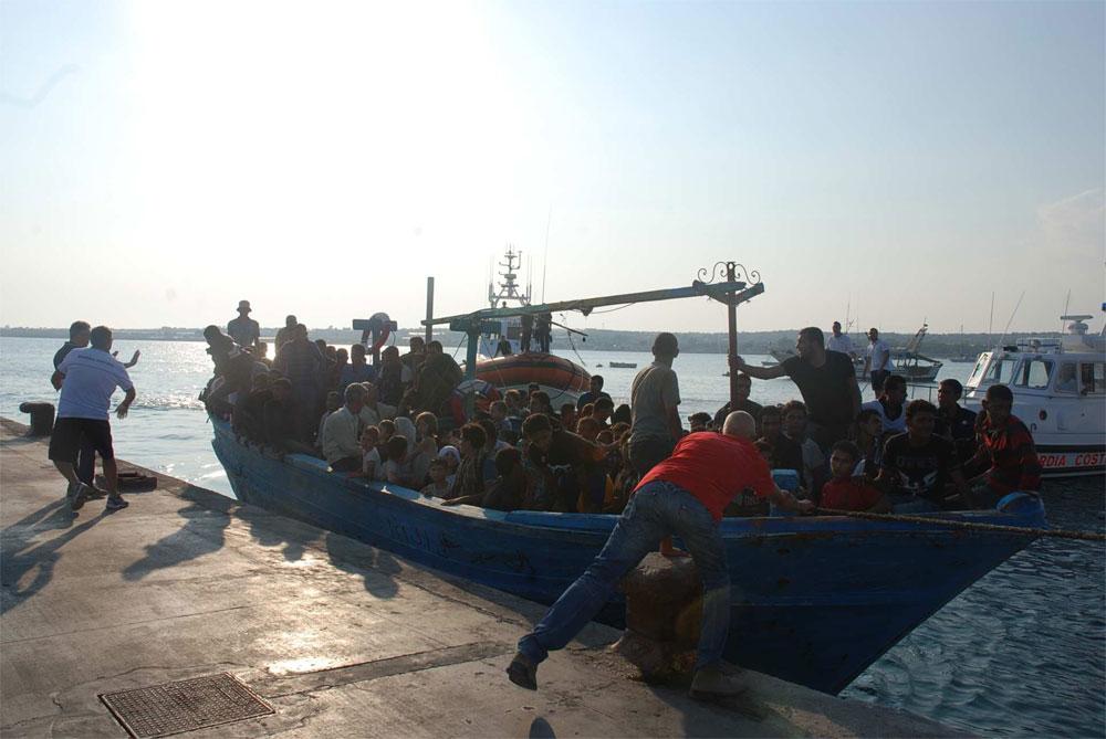 Portopalo di Capo Passero (SR): sbarcati nel pomeriggio 138 migranti irregolari