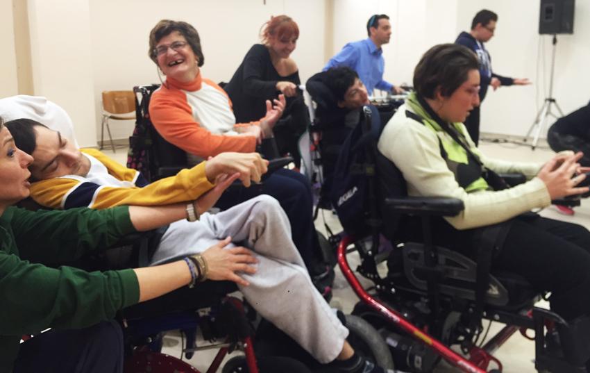 """Teatro integrato. Domani ai Viagrande Studios disabili in scena con """"Normali Metamorfosi"""""""