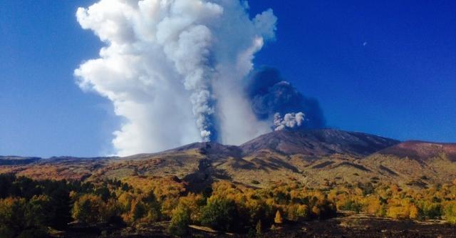 Terremoto in Sicilia e boato dell'Etna