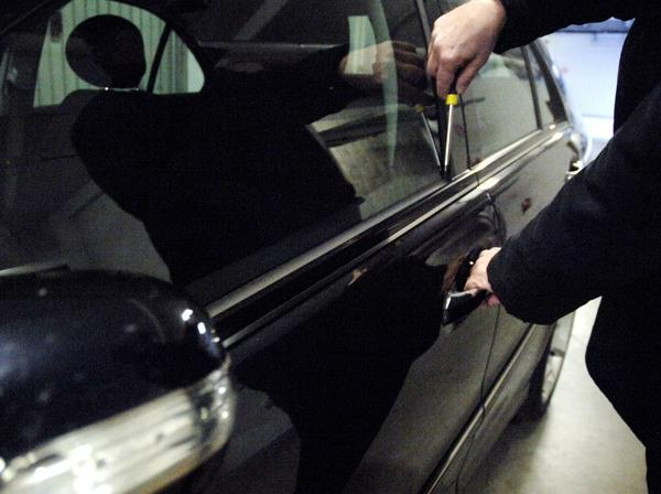 Viagrande: arrestati due topi d'auto