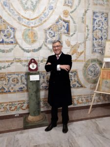 L'antiquario e collezionista Franco Di Guardo, ideatore e curatore della Mostra